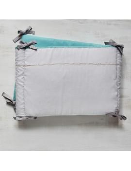 tour de lit bleu aqua et gris broderie point de croix CROSS STITCH