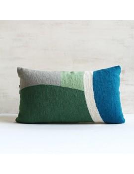 coussin bleu vert en laine brodé ONDE